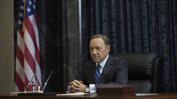 02-kevin-spacey-returns-frank-underwood-house-cards.jpg