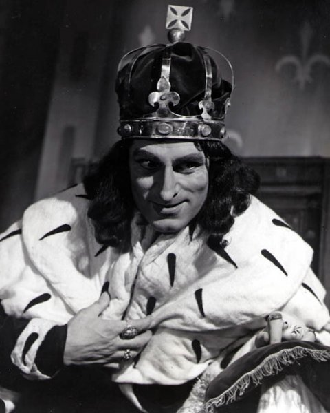 04-Laurence-Olivier-in-Richard-III-1954-Premium-Photograph-and-Poster-1026795__67051.1432426523.1280.1280.jpg